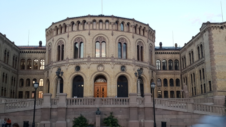 parlemanto binası