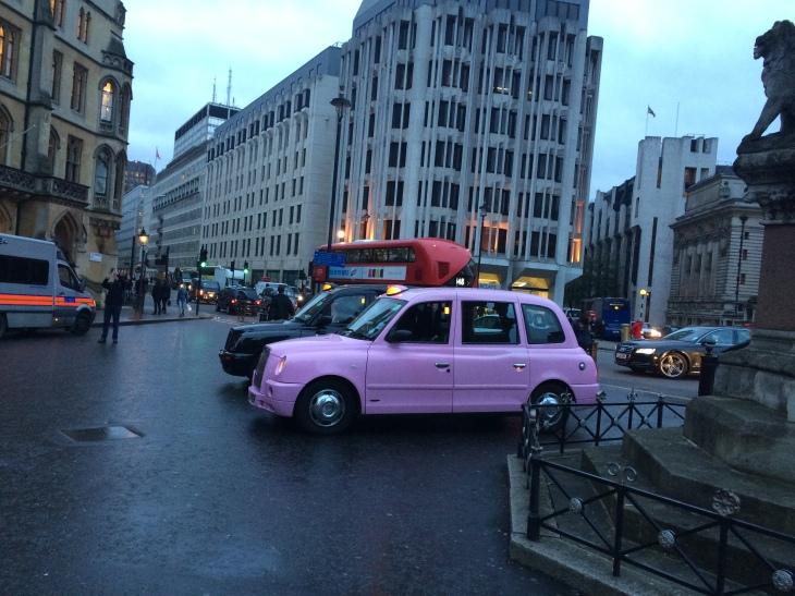 Pembe Taksi