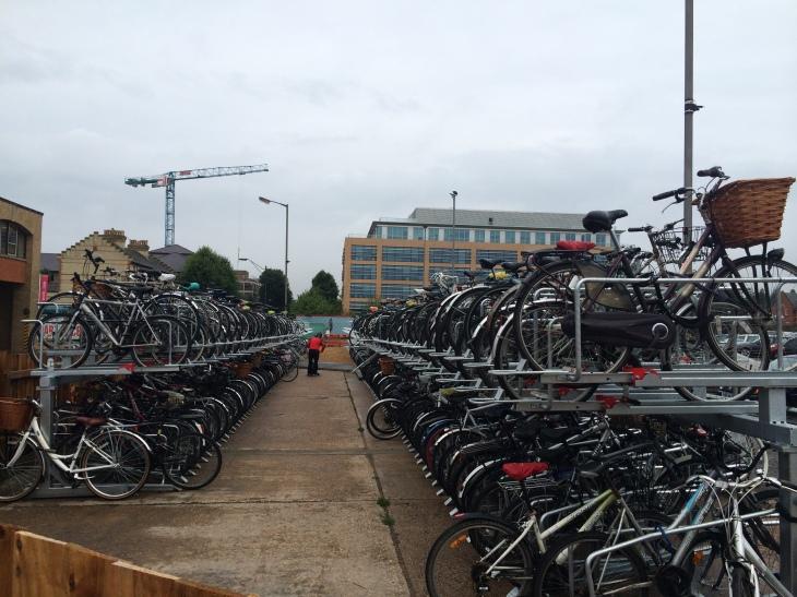 Cambridge-Katlı Bisiklet Otoparkı