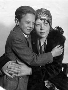 Walter Collins ve Annesi