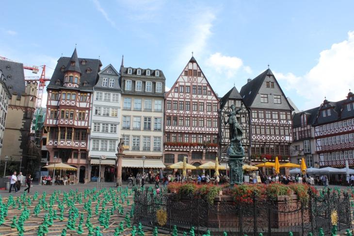 Frankfurt Belediye binasının olduğu meydan