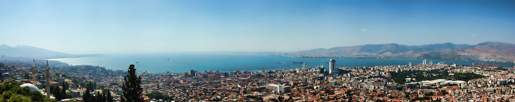 Izmir_panorama_from_Kadifekale (1)