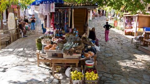 sirince_market