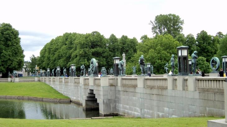 Vigeland_Park_bridge_2